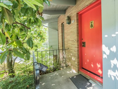 Portland Single Family Home For Sale: 702 NW Macleay Blvd