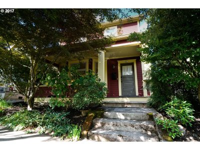 Portland Single Family Home For Sale: 721 SE 32nd Ave