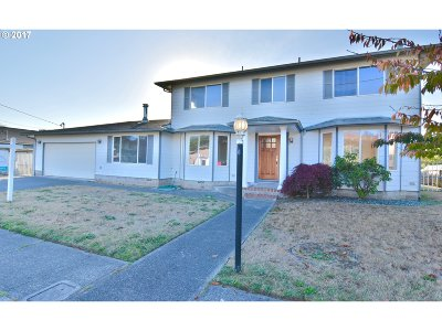 North Bend Single Family Home For Sale: 2454 Fir