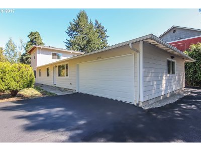 Single Family Home For Sale: 3939 SW Plum St