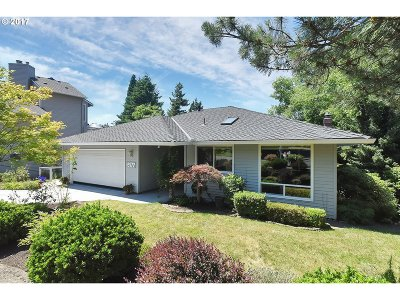 Lake Oswego Single Family Home For Sale: 16977 SW Cherry Crest Dr