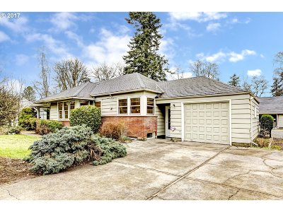 Oregon City Single Family Home For Sale: 13921 Holcomb Blvd
