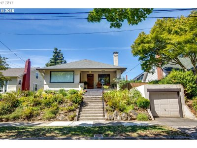 Portland Single Family Home For Sale: 7215 SE 19th Ave