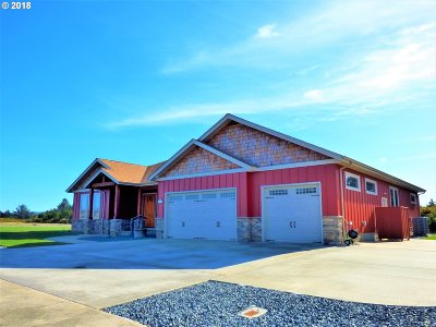 Bandon Single Family Home For Sale: 907 Seacrest Dr