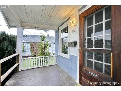 Portland Single Family Home For Sale: 4615 SE Main St