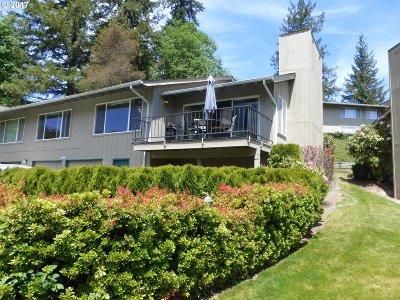 Welches Condo/Townhouse For Sale: 68666 E Bowmans Cir