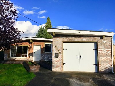 Portland Single Family Home For Sale: 6720 SE 85th Ave