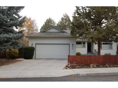 Bend Single Family Home For Sale: 748 SE Airpark Dr