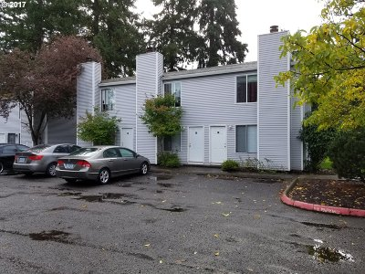 Portland OR Multi Family Home For Sale: $900,000