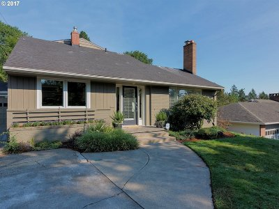 Portland Single Family Home For Sale: 4524 SW 29th Ave