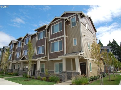 Condo/Townhouse For Sale: 302 NE 78th Ave