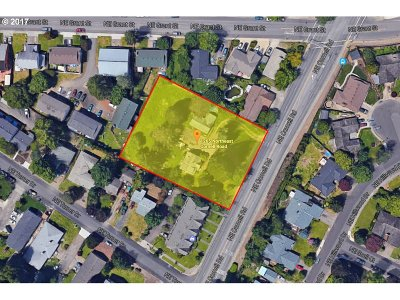 Multi Family Home For Sale: 1265 NE Cornell Rd