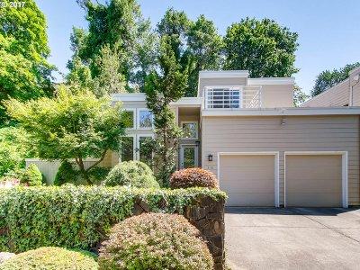 Portland Single Family Home For Sale: 3110 SE Berkeley Pl