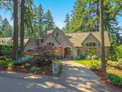 Lake Oswego Single Family Home For Sale: 320 Chandler Pl