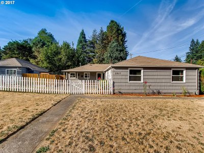 Milwaukie Single Family Home For Sale: 5815 SE King Rd SE