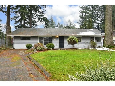 Single Family Home For Sale: 608 SE 136th Ave