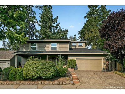 Single Family Home For Sale: 6625 SW Wisteria Pl