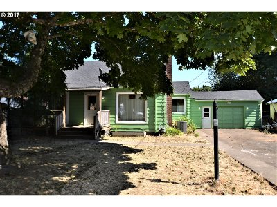 Portland Single Family Home For Sale: 3754 SE 134th Ave