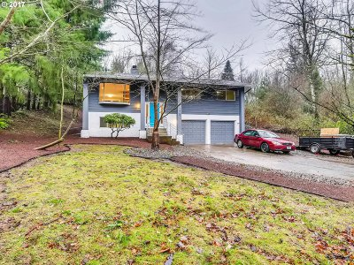 Gresham Single Family Home For Sale: 1420 SW Walters Dr