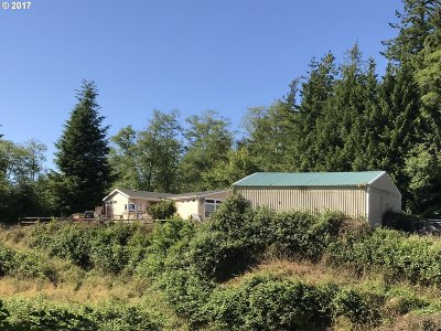 Coos Bay Single Family Home For Sale: 95831 Stock Slough Ln