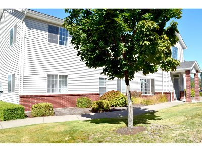 Lebanon Condo/Townhouse Sold: 126 Weldwood Dr