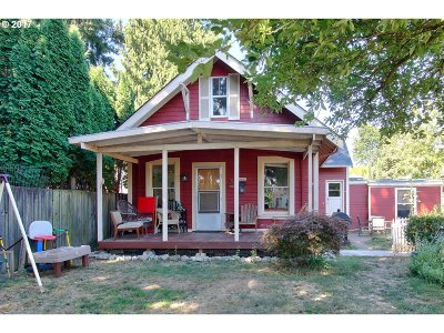 Portland Single Family Home For Sale: 4649 SE 49th Ave