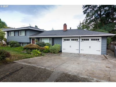 Tigard Single Family Home For Sale: 12020 SW Summer Crest Dr
