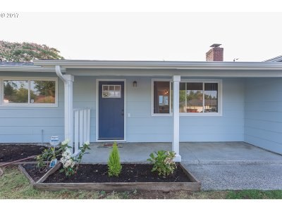 Multnomah County Single Family Home For Sale: 4024 SE 134th Ave