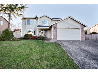 Camas Single Family Home For Sale: 2947 NW Nahcotta St