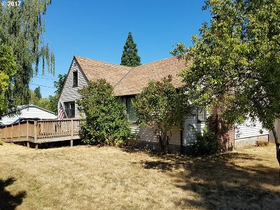 Tigard Single Family Home For Sale: 9885 SW Johnson St
