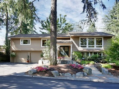 Lake Oswego Single Family Home For Sale: 1898 Oak Knoll Ct