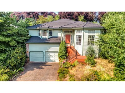 West Linn Single Family Home For Sale: 1175 Swiftshore Cir