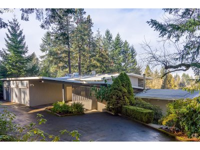 Eugene Single Family Home For Sale: 827 W 38th Ave