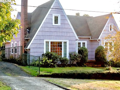 Coquille Single Family Home For Sale: 961 E 2nd