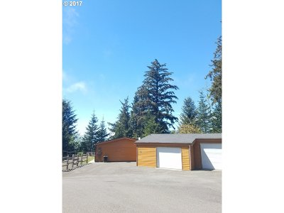 Gold Beach Single Family Home For Sale: 27733 Hwy 101