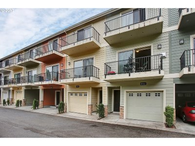 Tigard Condo/Townhouse For Sale: 8922 SW Elena Ln