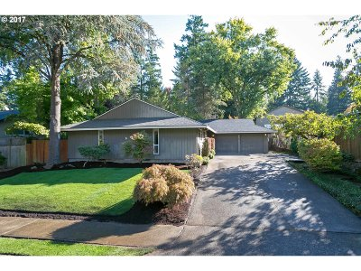 Beaverton Single Family Home For Sale: 6570 SW Dale Ave