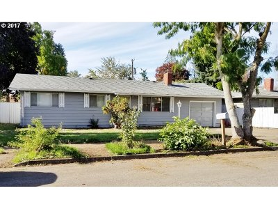 Junction City Single Family Home For Sale: 251 SW Laurel St