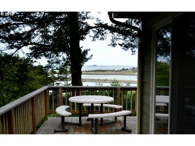 Gold Beach OR Single Family Home For Sale: $439,000