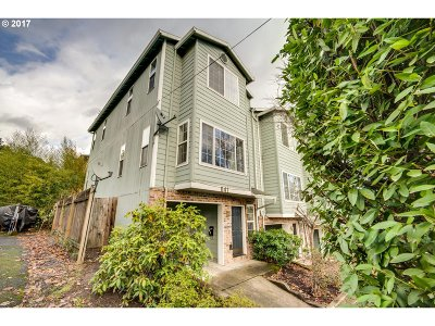Single Family Home For Sale: 41 SW Mitchell St