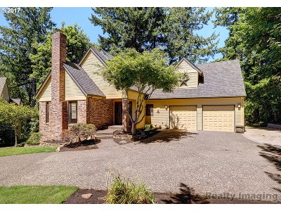 Lake Oswego Single Family Home For Sale: 18000 Westminster Dr