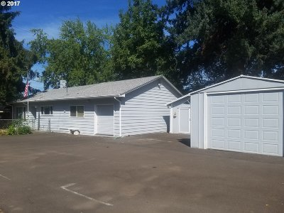 Milwaukie OR Single Family Home Sold: $275,000