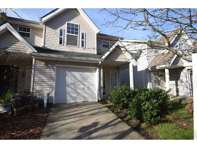 Portland Single Family Home For Sale: 853 SE 193rd Ave