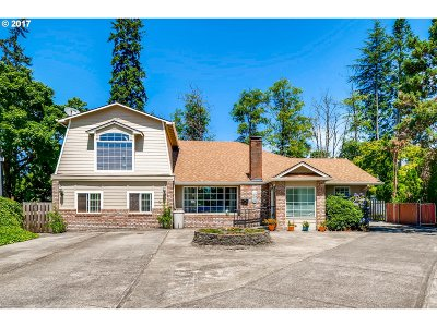 Beaverton Single Family Home For Sale: 345 SW Devon Ln