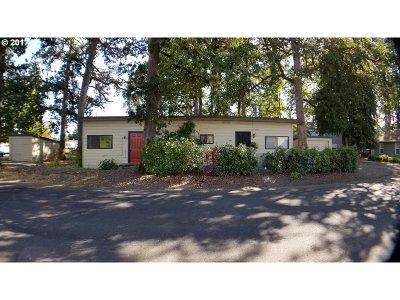 Multi Family Home For Sale: 1569 N Davis St