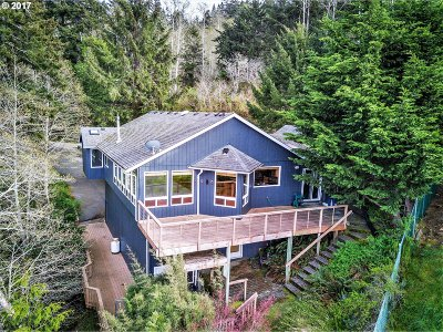 Gold Beach Single Family Home For Sale: 29990 Rogue View Ln