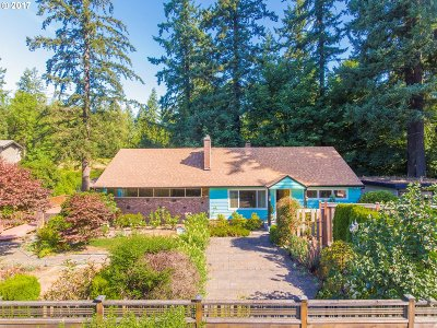 Lake Oswego Single Family Home For Sale: 937 Country Club Rd