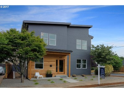 Portland Single Family Home For Sale: 3435 NE Webster St