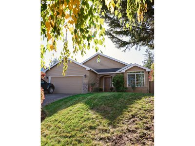 Single Family Home For Sale: 10711 SE Knapp Cir