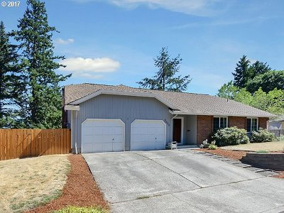 Hillsboro Single Family Home For Sale: 2638 SE Lupine Ct